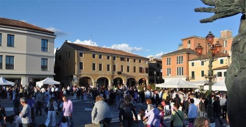 Mirano Venice Antiques roadshow