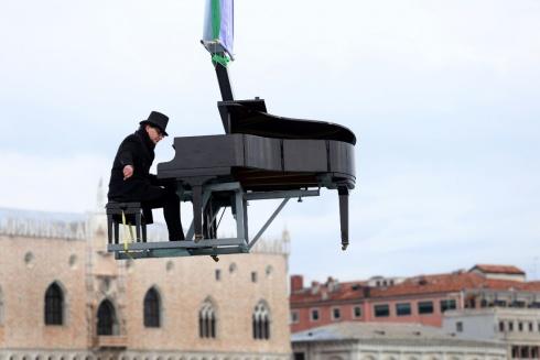 pianista sospeso