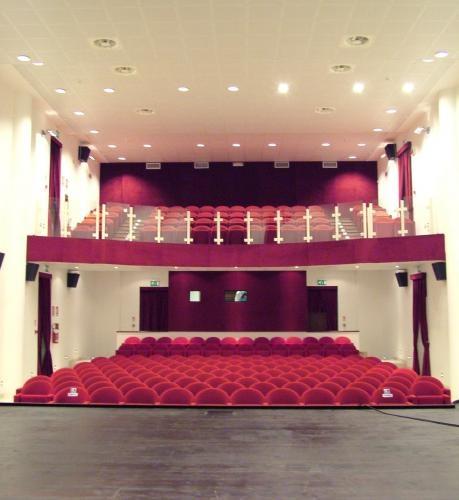 interno teatro Momo