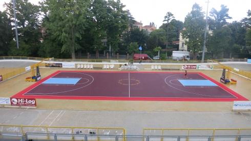 Pattinodromo e campo da basket
